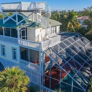 Manatee Haven - Upscale Beach View Home With Screened-In Pool, Spa And Elevator! photos Exterior
