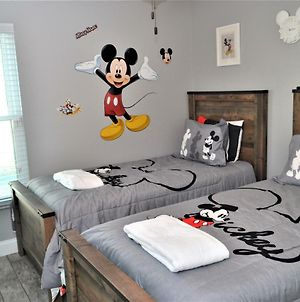 Mickey'S Landing - Luxury 5 Star Family 4 Bedroom With Pool, Hot Tub, Games Room & Bbq,5 Mins Disney photos Exterior