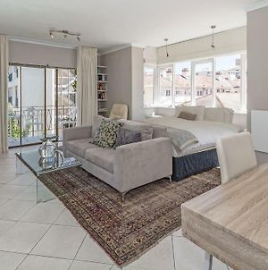 Cosy And Classy Sea Point Apartment photos Exterior