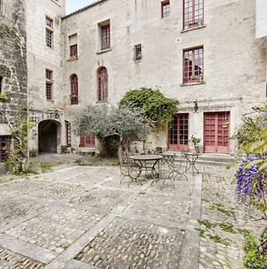 Beautiful 4-Rooms With View On The Popes Palace In Avignon photos Exterior