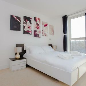 New 2 Bed Flat Near Brixton Station/O2-Sleeps Max 9 photos Exterior