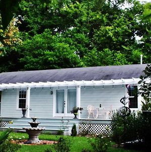 Tupelo Tree Cottage photos Exterior