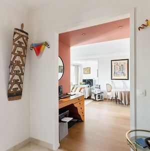 Bright And Charming Two-Bedroom Close To Eiffel Tower Paris photos Exterior
