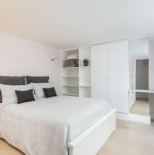 Excellent Apartment With Private Patio, And Park Across The Road photos Exterior