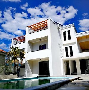 Apartments Star With Pool photos Exterior