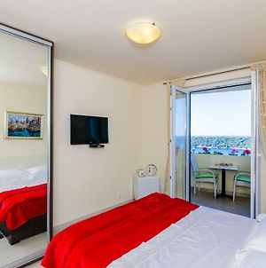 Deluxe Sunset Room, View Of The Old Town&Free Parking&10 Minutes Walk To The Center photos Exterior