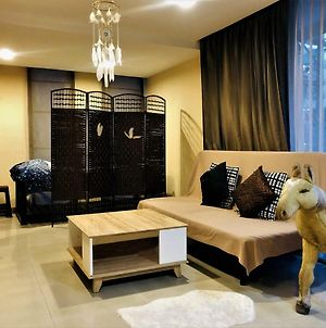 Private Charming Share Room In Core Of Bangkok photos Exterior