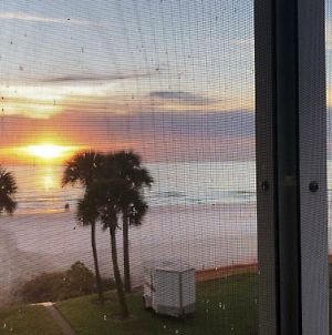 Beachfront Condo! Gulf View From All Rooms, Pool, Chairs Provided photos Exterior