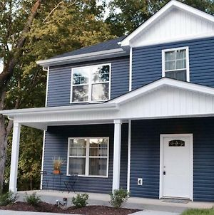 New 4Br House Downtown! Post 20Mins! Sleeps 12 photos Exterior