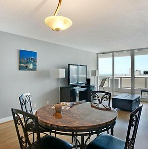 Bayfront Gem With Balcony And Pool photos Exterior