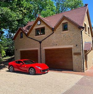 Luxurious Private Coach House photos Exterior