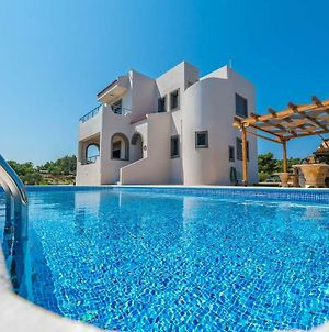 Sun Reach Pool And Jacuzzi Villa, Away From It All! photos Exterior