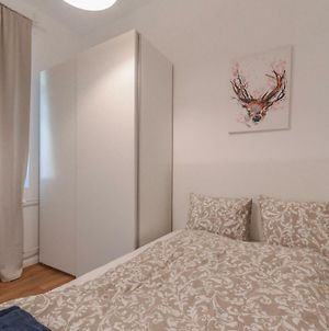 The Lovely Two Bedroom With Top Location photos Exterior