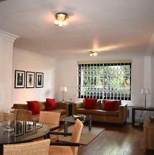 Beautiful 2 Bed Flat In London'S Lovely Kensington photos Exterior