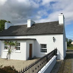 Tullywee Cottage photos Exterior