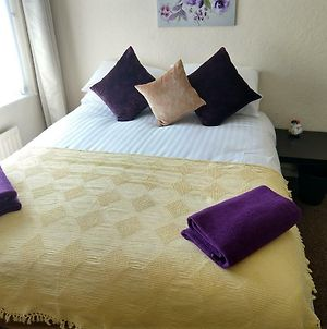 Rowe Gardens - Self Catering Comfortable Rooms - Quiet Residential Area photos Exterior