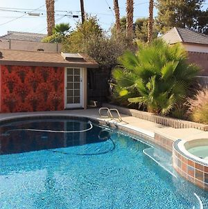 Newer Ranch With Pool And Hot Tub Near The Strip And Freemont Street. photos Exterior