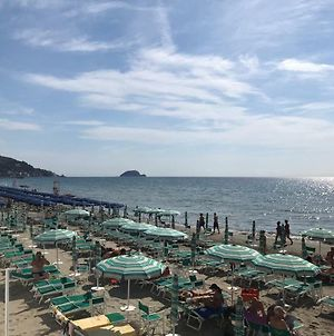 Cosy Appartment In Alassio With Garage photos Exterior