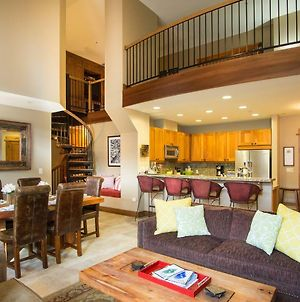 2 Bedrooms W/ Large Loft + 2.5 Baths - Sleeps 8. Free Grocery Delivery! photos Exterior