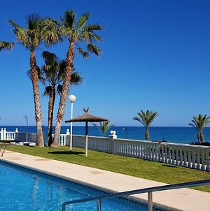 Lovely Apartment Beach Front & Pool photos Exterior
