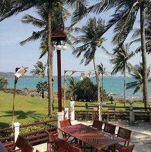 Rayong Beach Condotel Apartment First Line To The Sea photos Exterior