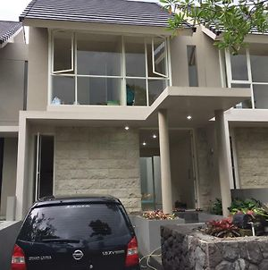 House At Taman Dayu photos Exterior