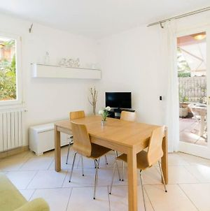 R3 - Two-Bedroom Apartment With Private Sunny Garden photos Exterior