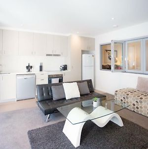 Modern Executive Apartment @ Braddon*1Br*Wine*Wifi*Secure Parking*Canberra photos Exterior