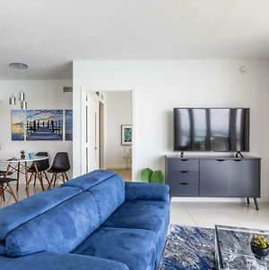 Stylish Bayfront Condo Minutes From Beach photos Exterior