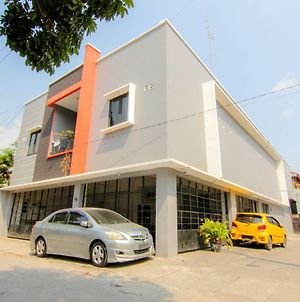 Jj House Wahid Hasyim photos Exterior