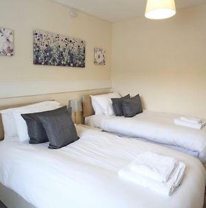 Free Parking, Cosy House In The Center Of Taunton! Sleeps 6 People! photos Exterior