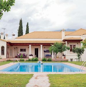 Beautiful Villa With Private Garden And Pool photos Exterior