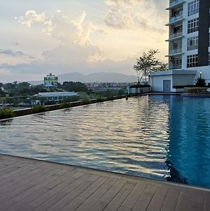 D' Putra Suites & Homestay @ Near Senai International Airport / Johor Premium Outlet photos Exterior