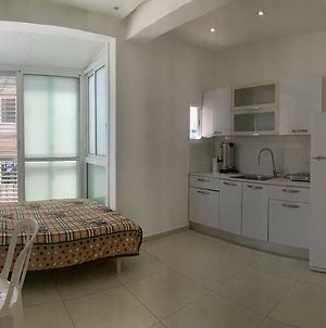 Netanya-Apartment Herzl St. Best Location. photos Exterior