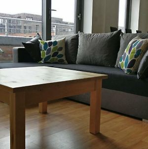 City Centre Apartment With Balcony And Striking Views. Five Min From Train Station photos Exterior