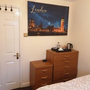 Lovely Room & Private Bathroom In Heart Of London photos Exterior