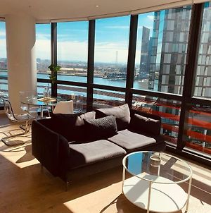 Melbourne Docklands Luxury Seaview Apartment photos Exterior
