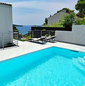 Entire Private Top Floor With Own Pool And Entrance photos Exterior