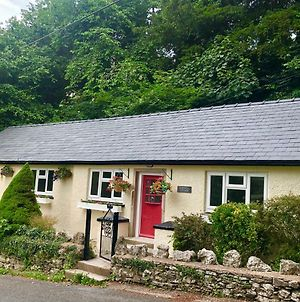 Hampsfell Cottage, Quaint And Comfy By The Lake District photos Exterior