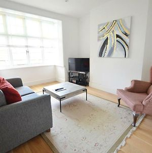 Cosy Southampton Central Apartment With Parking photos Exterior