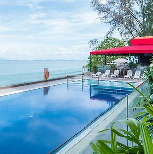 Hotel Sentral Seaview @ ​Beachfront photos Exterior