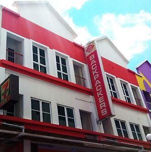 Borneo Sandakan Backpackers photos Exterior