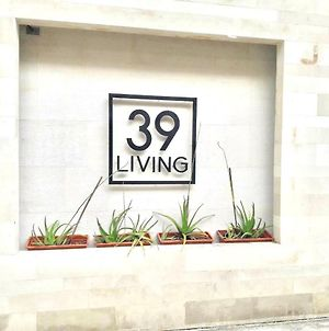 39 Living photos Exterior