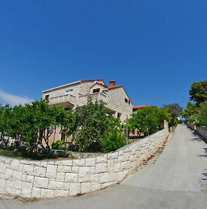 Large And Charming Apartment Near Beach With Big & Sunny Terrace photos Exterior