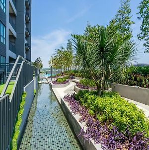 Nest Stay @ Walk To Aeon Sek 13 Emira Residence 3B photos Exterior