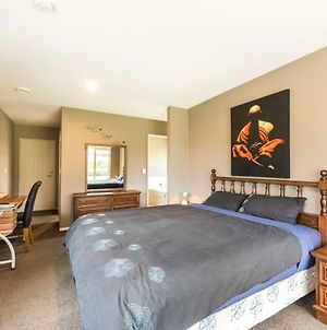 Rolleston Paradise-Master Bedroom With Ensuite Only photos Exterior