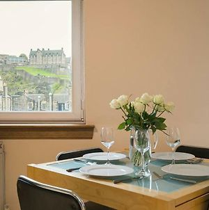 2 Bedroom Central Apartment With Stunning Castle View photos Exterior