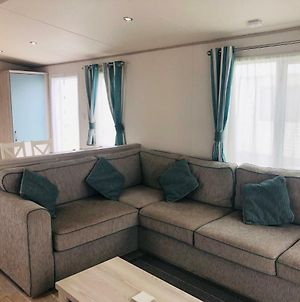 Luxury 2 Bedroom Caravan 5* Sand Le Mere Holiday Village, Near Withernsea photos Exterior
