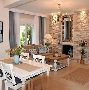 Stylish Family Villa 100M From The Beach And Town Center photos Exterior