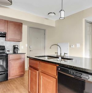 Bussiness Class 1 Bedroom Downtown Condo*Free Parking*Self Check-In** photos Exterior